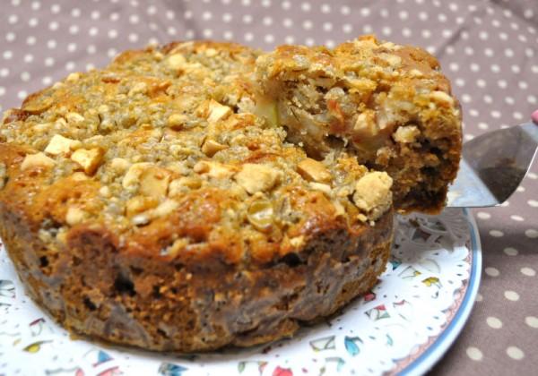 秋を感じるお料理レシピ4:りんごと田舎麦のクラムケーキ