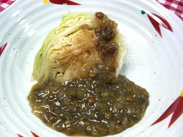 キャベツのソテー  レンズ豆の肉味噌風あんかけ